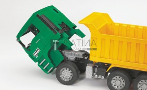 Bruder MAN billenőplatós teherautó (02765)