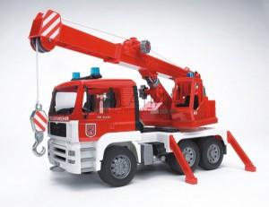 Bruder MAN darus tűzoltóautó hang és fényeffektekkel (02770)