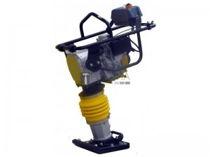 AGT CV70H-R döngölőgép 70kg 10,5kN (Honda GXR120 motor)